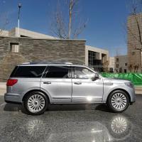 Прикрепленное изображение: Lincoln Navigator 01.jpg