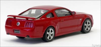 Прикрепленное изображение: 2005 Ford Mustang GT - DeAgostini - DeSC028 - 2_small.jpg