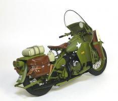 Прикрепленное изображение: 1942 Harley-Davidson® WLA Military Motorcycle Franklin Mint (2).JPG