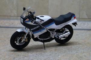 Прикрепленное изображение: 112 Suzuki RG250T Gamma Tamiya (1).JPG
