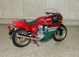 Прикрепленное изображение: Ducati 900 \'Mike Hailwood Replica\' - Tamiya (8).JPG