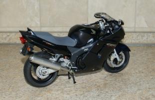 Прикрепленное изображение: 112 Honda CBR1100XX Super Blackbird Tamiya (2).JPG