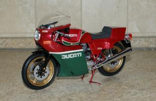 Прикрепленное изображение: Ducati 900 \'Mike Hailwood Replica\' - Tamiya (7).JPG