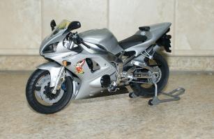 Прикрепленное изображение: 112 Yamaha YZF-R1 Taira Racing Tamiya (1).JPG