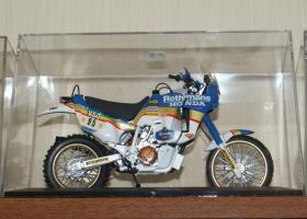 Прикрепленное изображение: Honda NXR 750 - Tamiya (7).JPG