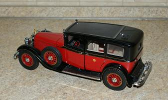 Прикрепленное изображение: Mercedes Benz 770K 1935 Hirohito Franklin Mint (2).JPG