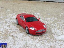 Прикрепленное изображение: Aston Martin AMV8_0-0.jpg