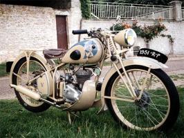 Прикрепленное изображение: Peugeot 55 GL 1951.jpg