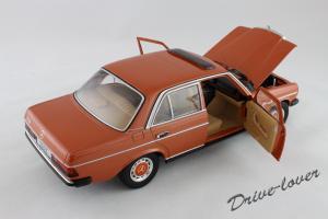 Прикрепленное изображение: Mercedes-Benz 230 E W123 Revell 08407 9091 (170233)_07.jpg