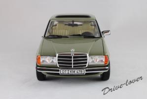 Прикрепленное изображение: Mercedes-Benz 240 D Revell 08809_04.JPG