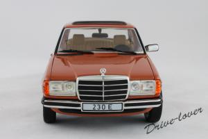 Прикрепленное изображение: Mercedes-Benz 230 E W123 Revell 08407 9091 (170233)_04.jpg
