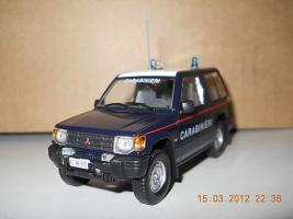 Прикрепленное изображение: Colobox_Mitsubishi_Pajero_Carabinieri~02.jpg
