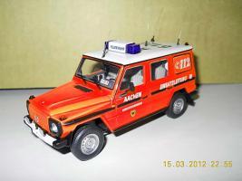 Прикрепленное изображение: Colobox_Mercedes-Benz_230GE_W460_Berufsfeuerwehr_Aachen_Minichamps~01.jpg