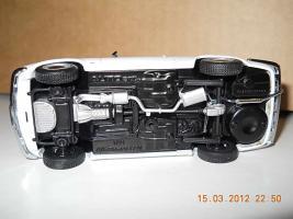 Прикрепленное изображение: Colobox_Alfa-Romeo_1750_GT_Veloce_AutoArt~04.jpg