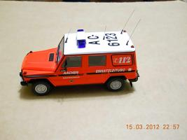 Прикрепленное изображение: Colobox_Mercedes-Benz_230GE_W460_Berufsfeuerwehr_Aachen_Minichamps~03.jpg