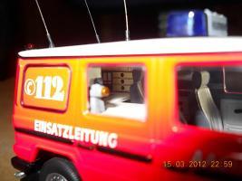 Прикрепленное изображение: Colobox_Mercedes-Benz_230GE_W460_Berufsfeuerwehr_Aachen_Minichamps~06.jpg