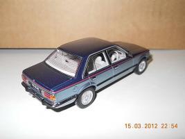 Прикрепленное изображение: Colobox_Holden_VC_Commodore_Biante~04.jpg