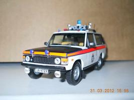 Прикрепленное изображение: Colobox_RangeRover_Manchester_Police_Ixo~03.jpg