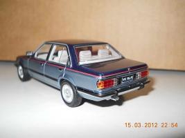 Прикрепленное изображение: Colobox_Holden_VC_Commodore_Biante~03.jpg