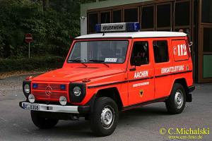 Прикрепленное изображение: Colobox_Mercedes-Benz_230GE_W460_Berufsfeuerwehr_Aachen_Minichamps~12.jpg