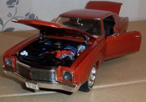 Прикрепленное изображение: Chevrolet Monte Carlo SS 1971 - Ertl (17).JPG