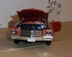 Прикрепленное изображение: Chevrolet Monte Carlo SS 1971 - Ertl (18).JPG