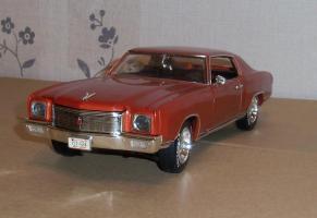 Прикрепленное изображение: Chevrolet Monte Carlo SS 1971 - Ertl (3).JPG