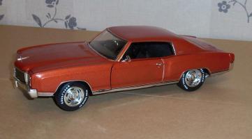 Прикрепленное изображение: Chevrolet Monte Carlo SS 1971 - Ertl (9).JPG