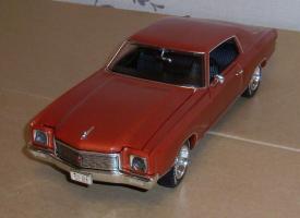 Прикрепленное изображение: Chevrolet Monte Carlo SS 1971 - Ertl (8).JPG