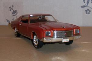 Прикрепленное изображение: Chevrolet Monte Carlo SS 1971 - Ertl (6).JPG