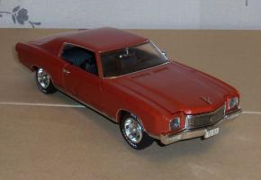 Прикрепленное изображение: Chevrolet Monte Carlo SS 1971 - Ertl (4).JPG