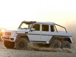 Прикрепленное изображение: 2013-Mercedes-Benz-G-63-AMG-6x6.jpg