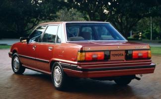 Прикрепленное изображение: Toyota-Camry-1982_.jpg
