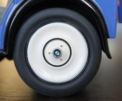 Прикрепленное изображение: BMW DA2 - Lieferwagen - koleso blizko.jpg