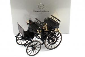Прикрепленное изображение: 1zu18_Daimler-Motorkutsche_schwarz_1886_MB_Norev_B66041416_23132_01.JPG