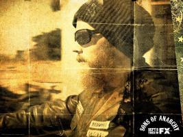 Прикрепленное изображение: kinopoisk.ru-Sons-of-Anarchy-1024055--w--1600.jpg