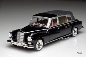 Прикрепленное изображение: Mercedes-Benz W189 300d Limousine 1960 Pope Giovanni XXIII Closed Norev 351230.jpg