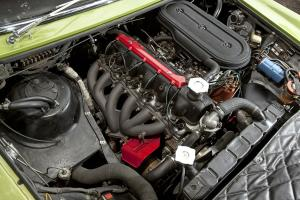 Прикрепленное изображение: Ghia-230-S-Prototipo-Motor-fotoshowBigImage-6d5d4df0-398859.jpg