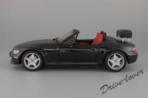 Прикрепленное изображение: BMW Z3 M Roadster UT Models 20417_03.jpg