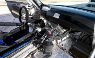Прикрепленное изображение: bmw-m3-gt-race-car-interior-photo-354129-s-1280x782.jpg