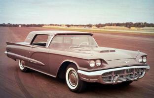 Прикрепленное изображение: 1960-Ford-Thunderbird-runway.jpg