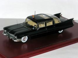 Прикрепленное изображение: Cadillac Series 75 Bubble-Top Queen Elizabeth 2 006.JPG