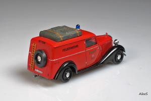 Прикрепленное изображение: Mercedes-Benz W136 170 V Kastenwagen Feuerwehr 2.jpg