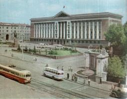Прикрепленное изображение: Курский Дом Советов.jpg