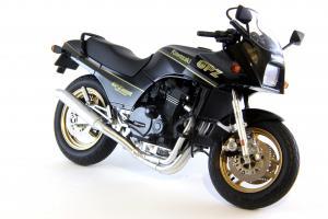 Прикрепленное изображение: Kawasaki GPZ900R (8).JPG