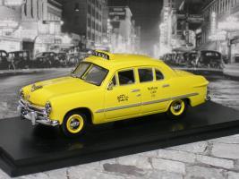 Прикрепленное изображение: ford 4 door yellow 1 P1010157.JPG