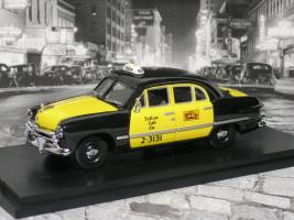Прикрепленное изображение: ford 4 door yellow 2 P1010157.JPG