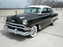 Прикрепленное изображение: 1954_Chevrolet-BelAir_4dr-blk-wht-01.jpg