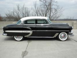 Прикрепленное изображение: 1954_Chevrolet-BelAir_4dr-blk-wht-03.jpg