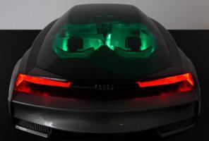 Прикрепленное изображение: Quattro-Fleet-Shuttle-virtual-car-by-Audi-for-Enders-Game_dezeen_7.jpg